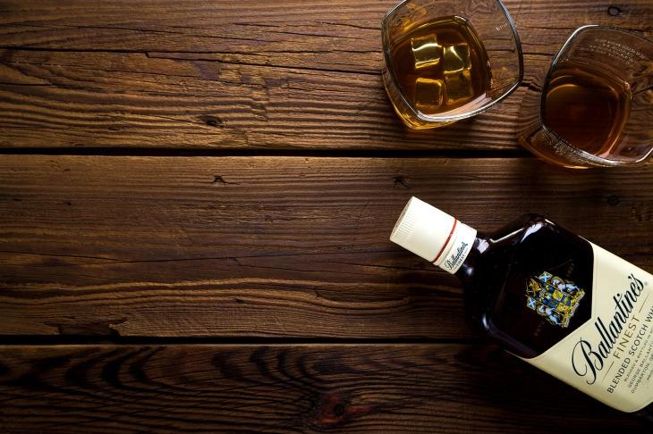 alcohol-1961542_1920